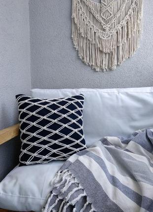 Подушка макраме