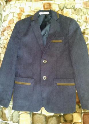 Тёмно-синий пиджак на мальчика