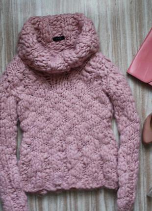 Нежно-розовый свитер крупной вязки №54
