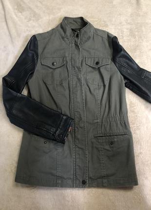 Куртка,пальто,плащ