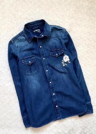 Zara крутая прямая джинсовая рубашка с вышивкой 40-42 укр