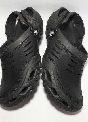 Шлёпанцы сабо  crocs yukon sport clog m11