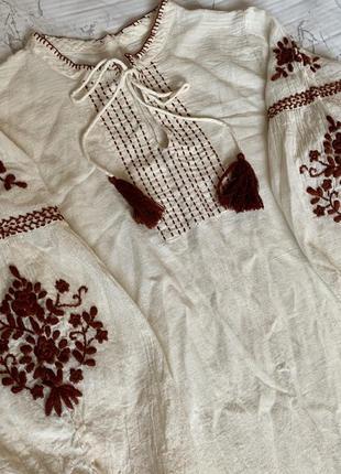 Вишита сукня - ручна робота