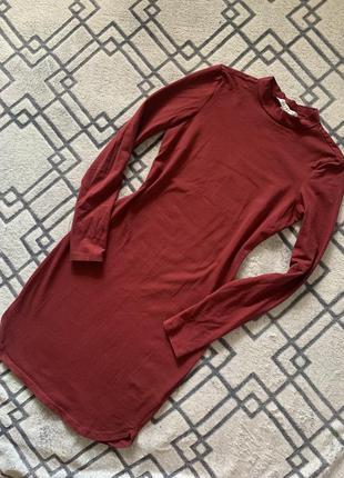 Облегающее короткое платье с трикотажа