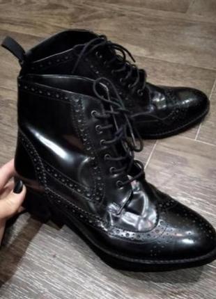 Лаковые ботинки оксфорды