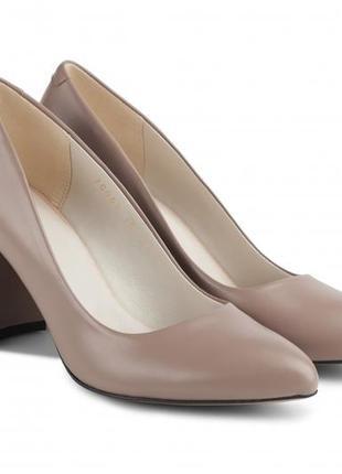 Туфли-лодочки  новые кожаные, удобные, красивые и качественные. модель номер:206.