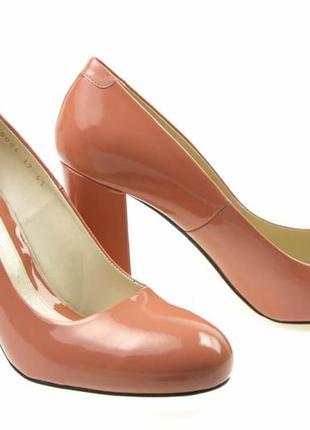 Туфли-лодочки  новые кожаные, удобные, красивые и качественные. модель номер:214.