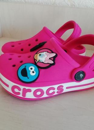 Босоножки шлепанцы crocs