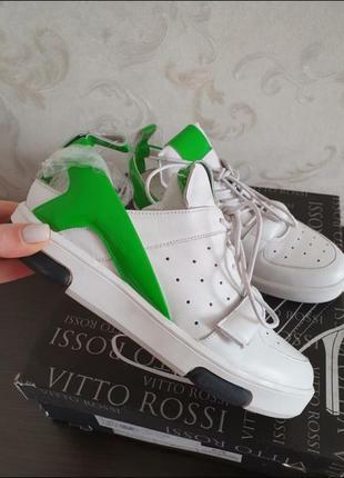 Белый кроссовки размер 38, новые, натуральная кожа