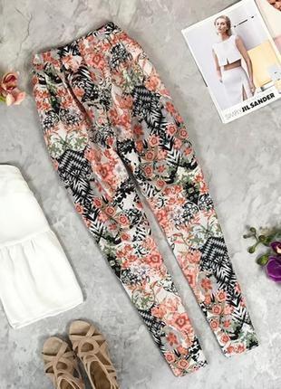 Легкие брюки для летней жары в цветочный принт  pn1924008 asos