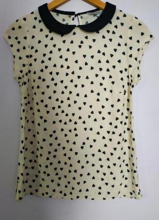 Легка блуза в сердечки