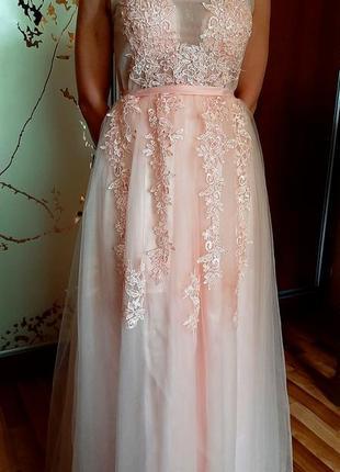 Шикарное розовое вечернее-свадебное платье