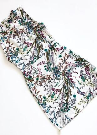 Фактурное качественное платье белое в принт