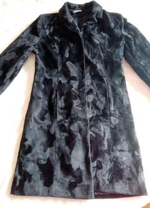 Прямое пальто из искусственного меха размер 48-50