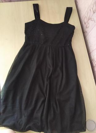 Вечірня коротка чорна сукня