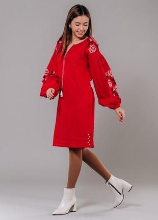 Платье-вышиванка с цветами крестиком