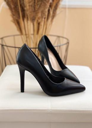 Ідеальні чорні туфли лодочки із еко шкіри