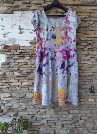 Стильное натуральное на подкладке платье большого размера