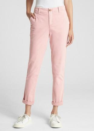 Легкие брюки с лампасоми пудрового цвета от gap
