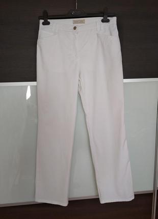 Базовые белые летние фирменные штаны,брюки brax