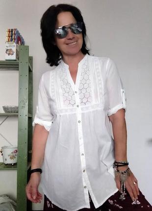 Рубашка блуза белая удлиненная c кружевной кокеткой papaya
