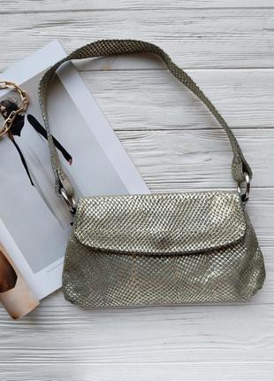 Золотистая винтажная винтаж сумка багет клатч тренд 2020 в стиле zara mango