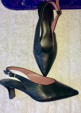 Классические туфли лодочки с зауженным носком большого размера  40. t-1