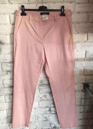 Нежно розовые брюки