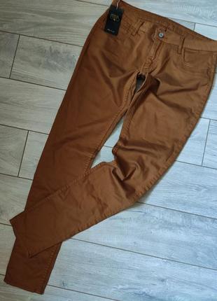 Очень качественные крутые джинсы брюки