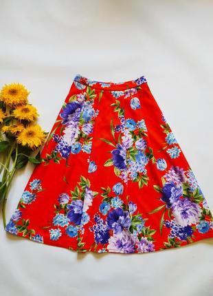 Яркая красивая юбка