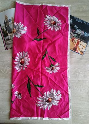 Яркий платок
