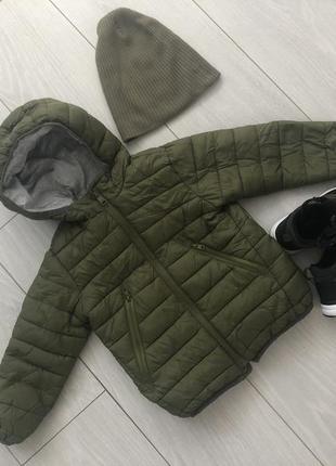 Продам демисезонную куртку фирмы zara