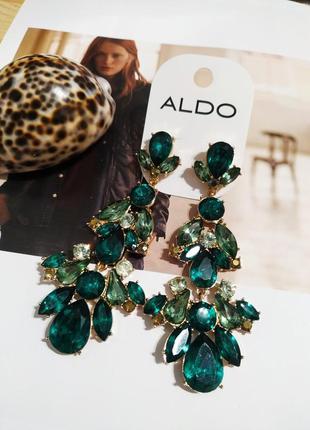 Шикарные серьги шандельеры aldo сережки длинные под золото зеленые камни кульчики