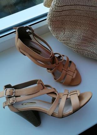 👜бежевые туфли в стиле salvatore ferragamo 👜босоножки с ремешками