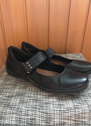 Туфлі bama