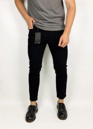 Zara man джинсы зауженные чёрные
