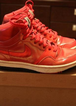 Кроссовки красные  nike