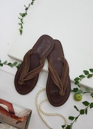Кожаные тапочки коричневые  сланцы
