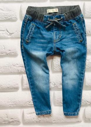 Zara стильные джинсы  на мальчика 18-24 мес