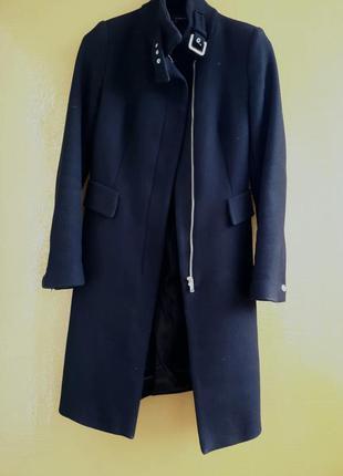 Стильное классическое пальто от zara