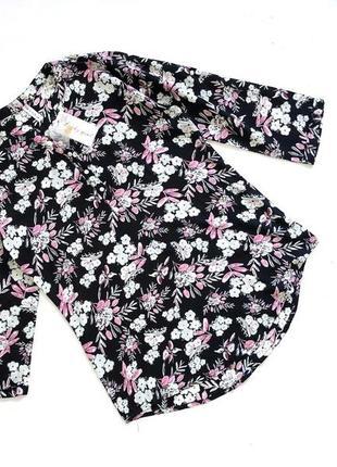 Новая сбиркой стильная черная рубашка в цветочный принт