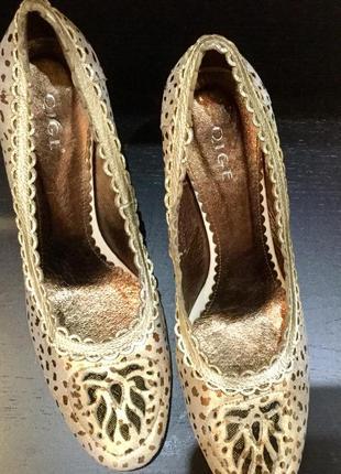Совершенно очаровательные сверкающие туфельки!