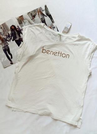 Новая молочная футболка benetton с надписью