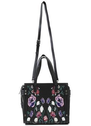 Красивая вышитая сумка pimkie