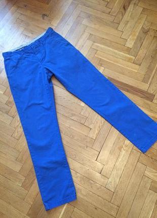 Очень крутые джинсы,высокая посадка,унисекс,электрик,tommy hlfiger