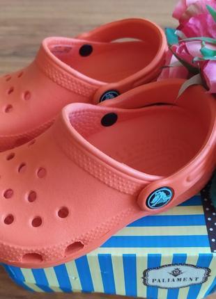 Классные фирменные сабо, шлепки,тапочки crocs 8/9 размер 25/26 .