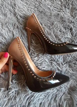Очень красивые туфли-лодочки 36 размер