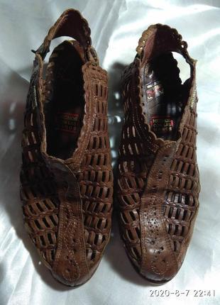 Босоножки, сандали, туфли pikolinos