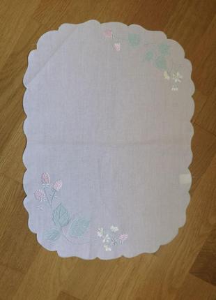 Винтажный платок салфетка с вышивкой из крапивы