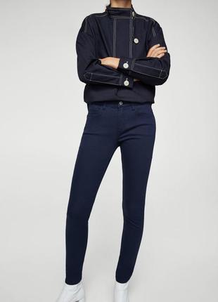 Темно синие джинсы размер с mango
